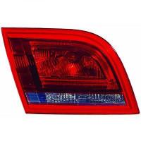Feu arrière droit partie intérieur AUDI A3 de 08 à 12 - OEM : 8P4945094D