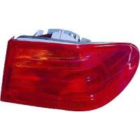 Feu arrière gauche extérieur MERCEDES CLASSE E (W210) de 95 à 99 - OEM : R3527LTZ1T